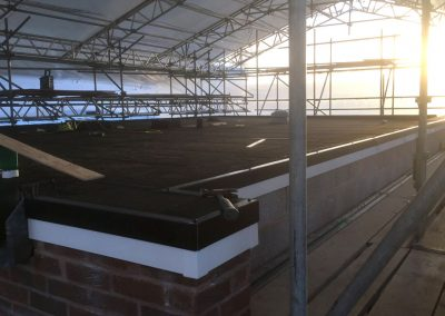 r8roofing__0001_Layer 17